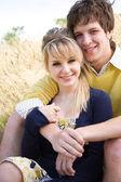 Aşık genç çift — Stok fotoğraf