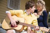 Casal caucasiano apaixonado — Foto Stock