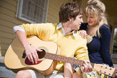 Caucasian paar verliebt — Stockfoto