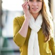 Caucasian woman on the phone — Stockfoto