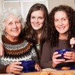 Grandmother, daughter and granddaughter — Stockfoto
