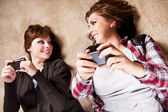 Teenagers texting — Stock Photo