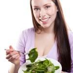サラダを食べる女性 — ストック写真