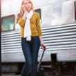 Traveling Caucasian woman — Stock Photo