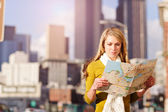 Traveling woman — Stock Photo