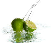Water splash on lime — Stock Photo