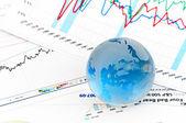 хрустальный шар на секции финансового — Стоковое фото
