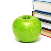 Kitap ve elma — Stok fotoğraf