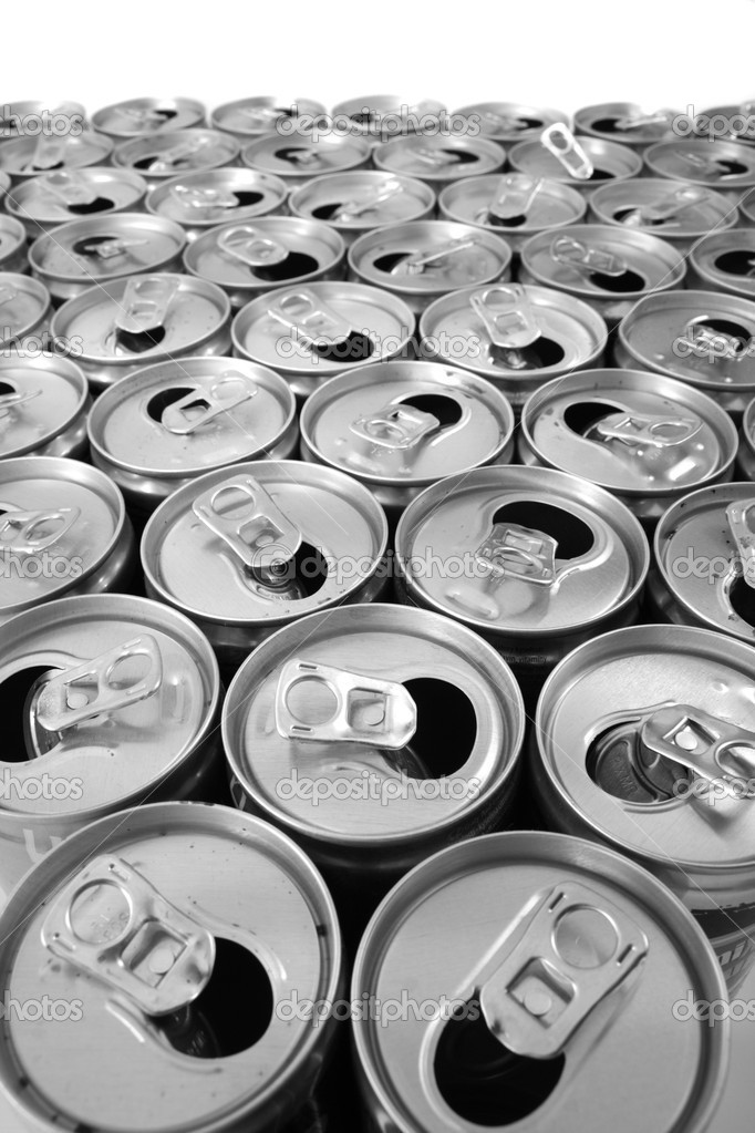 Empty cans isolated on the white background — Stock Photo #5525126