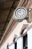 Eski tren istasyonu-saat — Stok fotoğraf