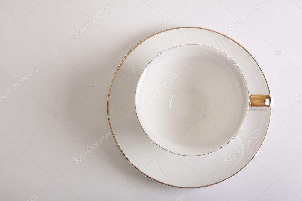 Empty Cup Top : White empty cup and saucer top view — stock photo
