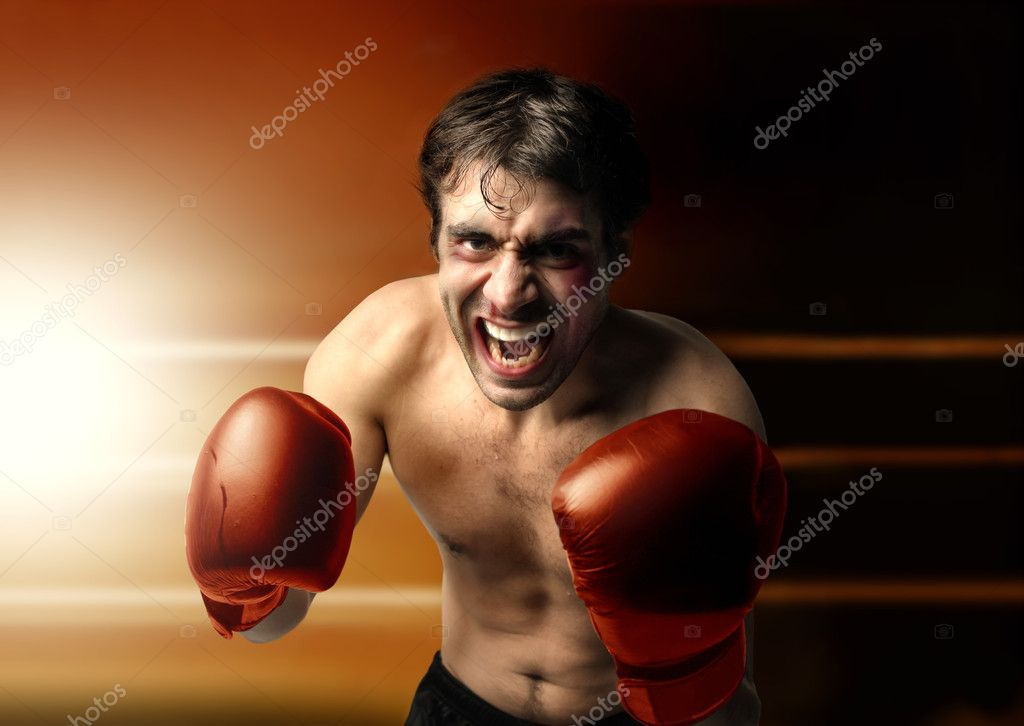 Aggressive young boxer — Stock Photo #5752708