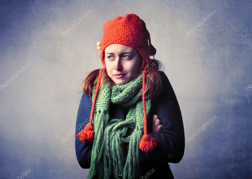 Freezing Cold Woman Freezing cold — Stoc...