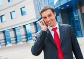 Homme d'affaires appelant — Photo