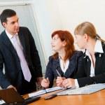 si incontrano tre business — Foto Stock