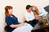 Married couple consults at the psychologist — Stockfoto