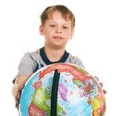 Petit garçon avec le globe — Photo