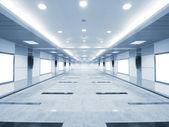 Długi korytarz — Zdjęcie stockowe