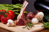 Raw lamb meat and assorted vegetables — Stok fotoğraf
