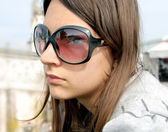 Girl portrait, Padua in sunglasses — Stockfoto
