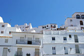 Vita byggnader i traditionella spanska pueblo — Stockfoto