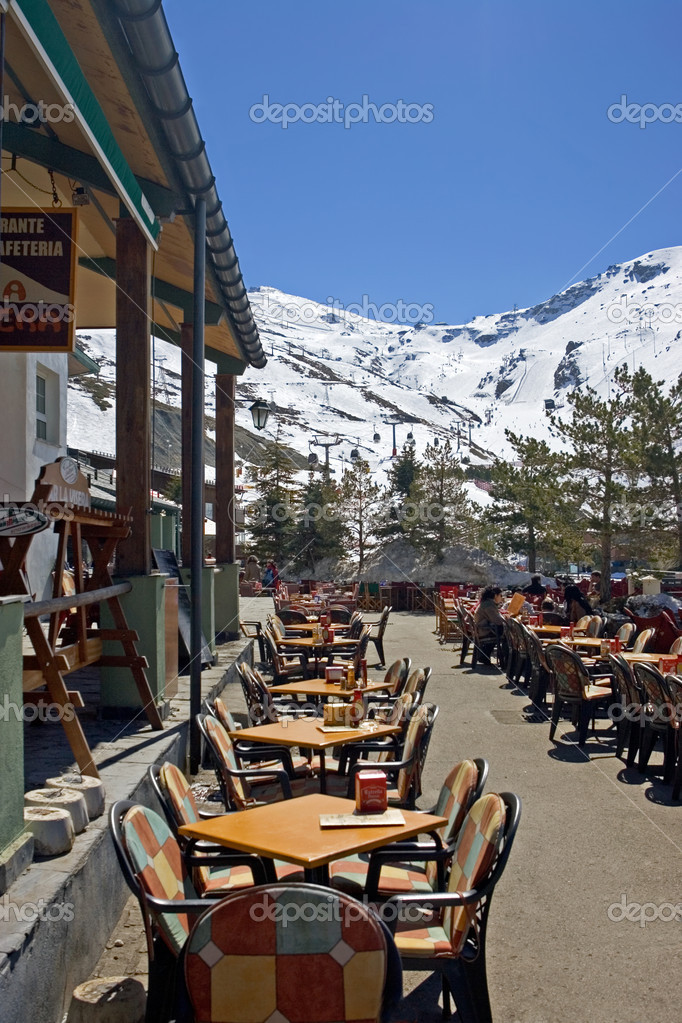 Main town and restaurant or bar in Prodollano ski resort in the Sierra Nevada mountains in Spain — Stock Photo #6238780