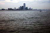 View of Manhattan from a Staten Island ferry — Stock Photo
