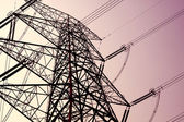 Torre di trasmissione di potenza su sky — Foto Stock