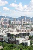 Uitzicht over de moderne stad gedurende de dag — Stockfoto