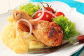 Roast chicken leg and mashed potato — Stock Photo
