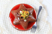 Gingerbread cake and coulis — Stock Photo