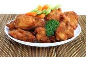 Alitas de pollo y verduras — Foto de Stock