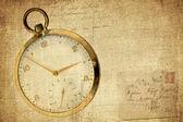 винтажные часы на текстурированной гранж-фон — Стоковое фото