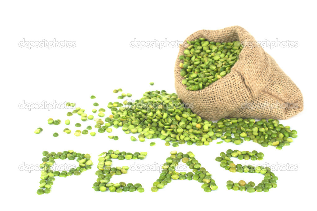 Peas spelt with split dried green peas on white with peas in jute sack on white (Selective Focus, Focus on the word) — Stock Photo #5857387