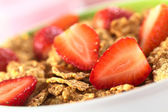 Wholewheat Flakes with Fresh Strawberries — Stock Photo