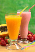 Papaya Juice and Strawberry Milkshake — Stock Photo