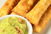 Tequenos en guacamole — Stockfoto