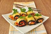 Eggplant rolls stuffed with cheese — ストック写真