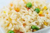 Bezelye ile pirinç — Stok fotoğraf