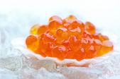 Salmon caviar in shell — Stock Photo