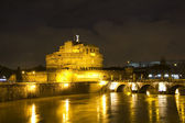Castel Sant'Angelo and the Sant'Angelo bridge — Stock Photo