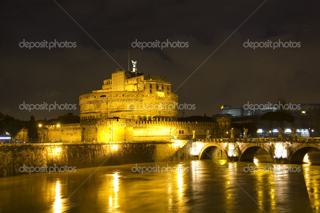 Castel Sant'Angelo and the Sant'Angelo bridge by night. Rome, Italy. — Stock Photo #5380799