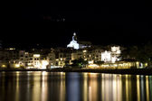 Cadaques beach and church at night — ストック写真