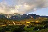 Dorf in den alpen — Stockfoto