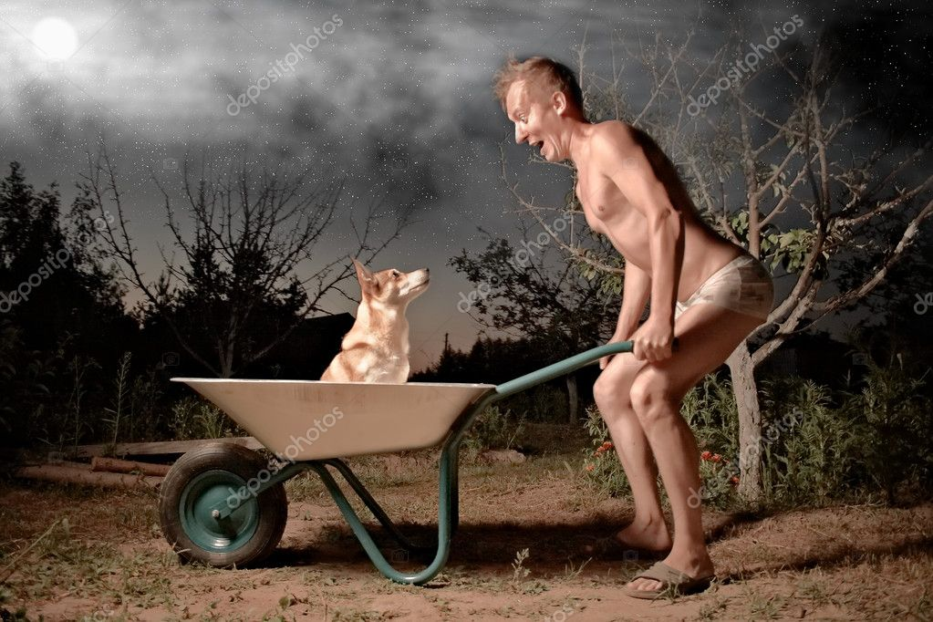 Crazy horticulturist and his dog — Stock Photo #6262529