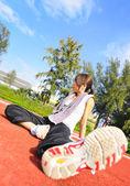 Vrouw doen stretching oefening — Stockfoto