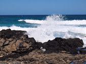 Wave krasch och explosion i luften — Stockfoto