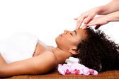 Facial massage in beauty spa — Stockfoto