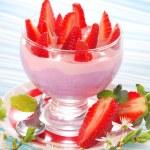 Dessert with strawberry and blueberry yogurt — Stock Photo #5426075
