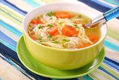 Sopa de galinha com macarrão — Foto Stock